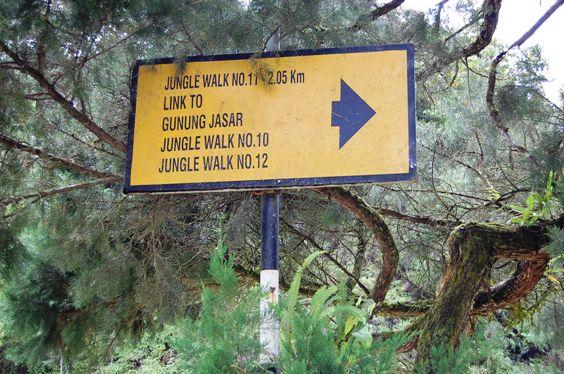 dangdiren gunung jasar signboard