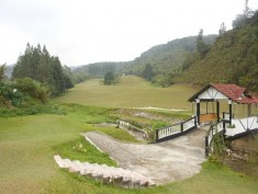 dangdiren-cameron-highlands-kelab-golf-sultan-ahmad-shah